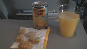 Snack and juice aboard 737-900