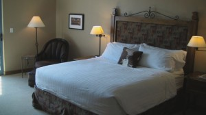 King Size Bed - Lodge on the Desert