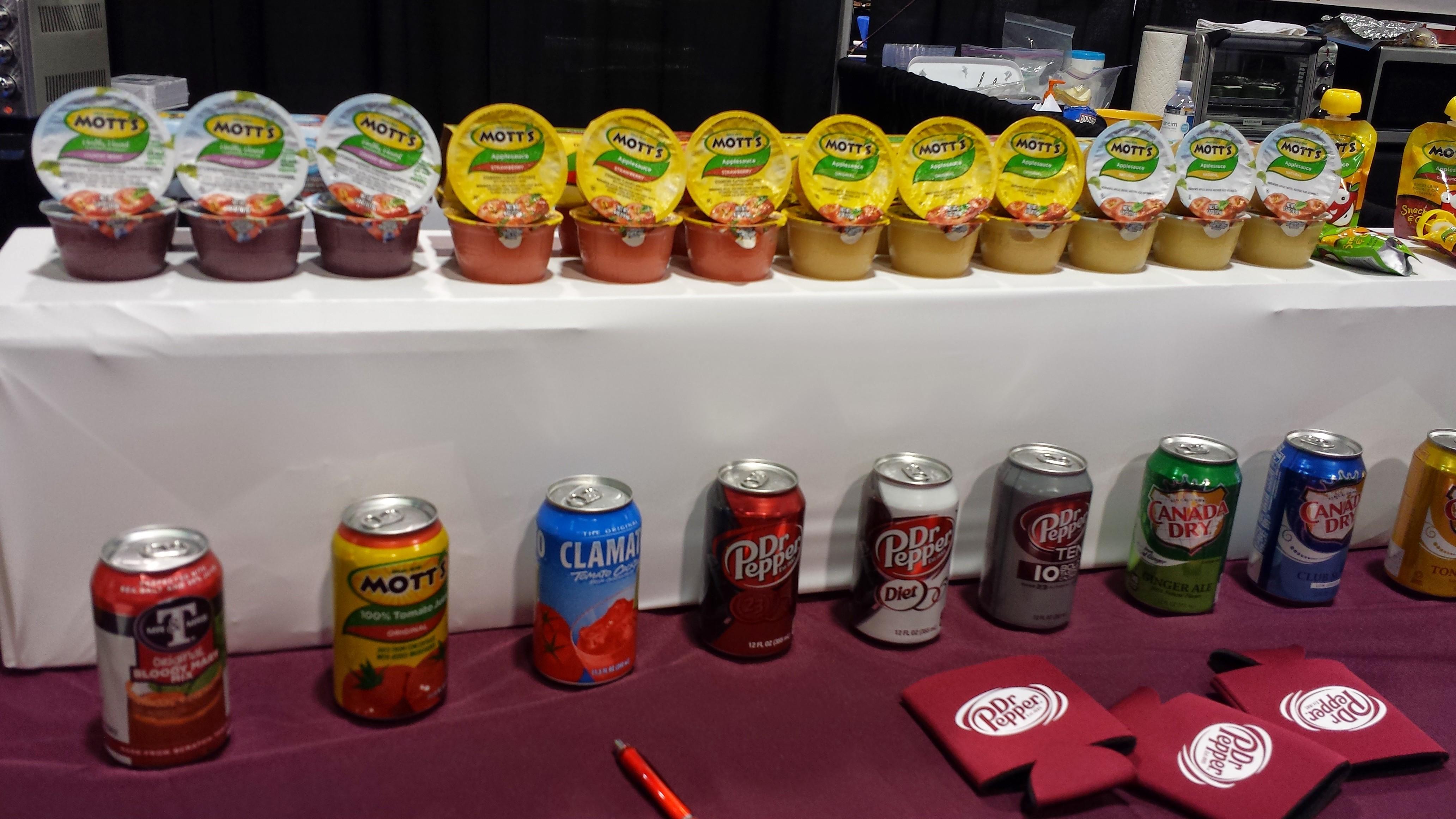 Food display at APEX Expo 2014